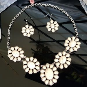 Jewelry - White Howlite Bib Necklace n Earrings